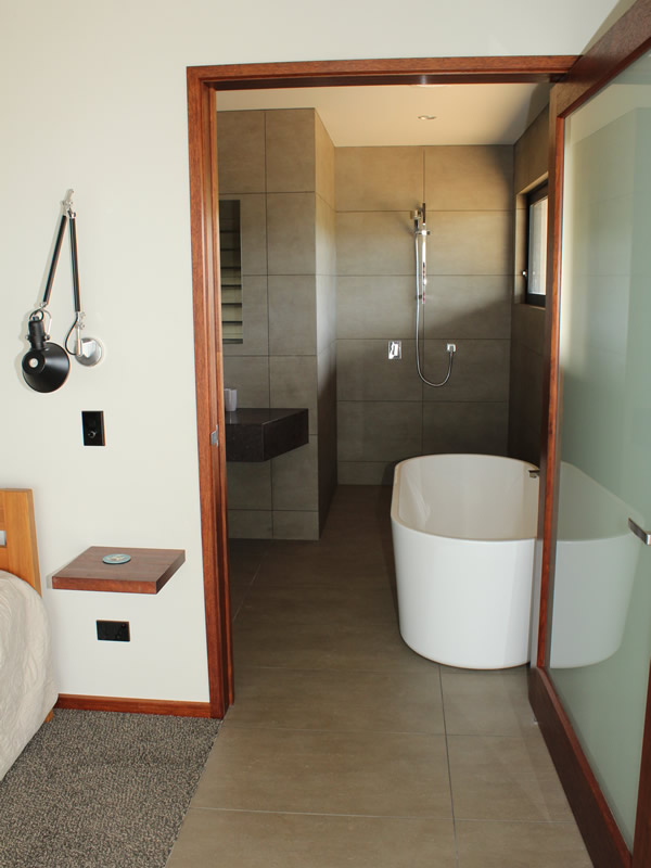 Moscatel Suite bathroom